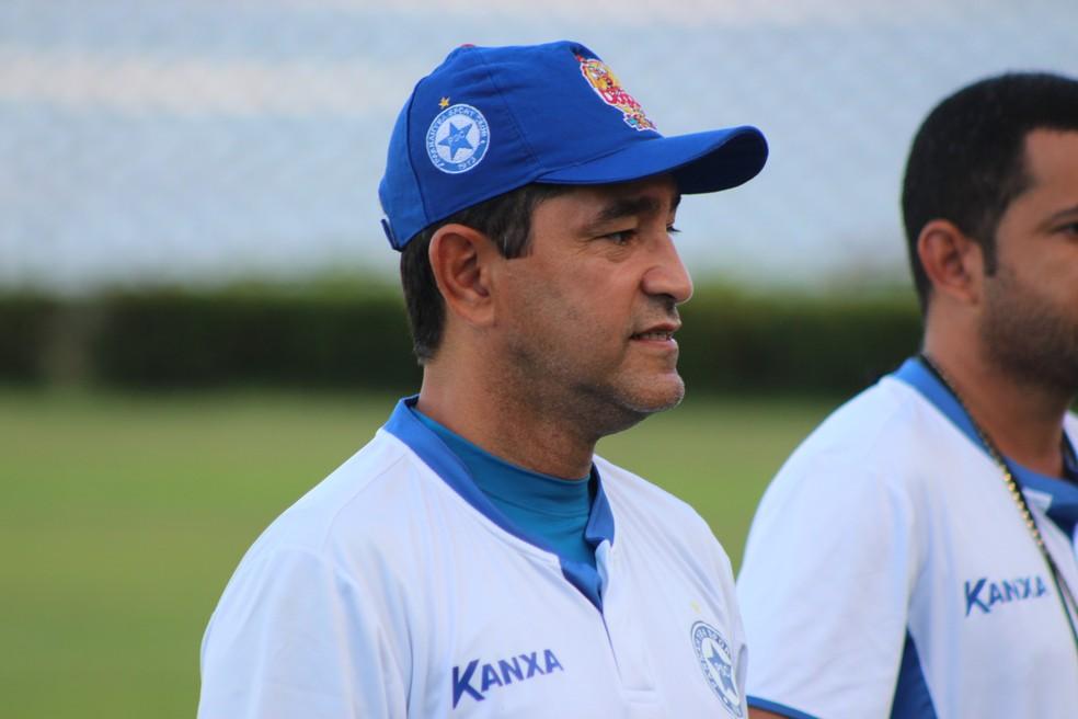 Sérgio China, treinador do Parnahyba  (Foto:  Arthur Ribeiro/GloboEsporte.com)