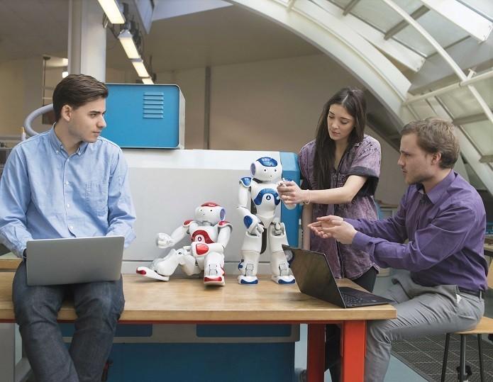 Casal de professores robôs ensinam programação em biblioteca dos Estados Unidos (Foto: Divulgação)