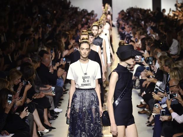 6 momentos em que a moda falou a língua do feminismo (Foto: Getty)