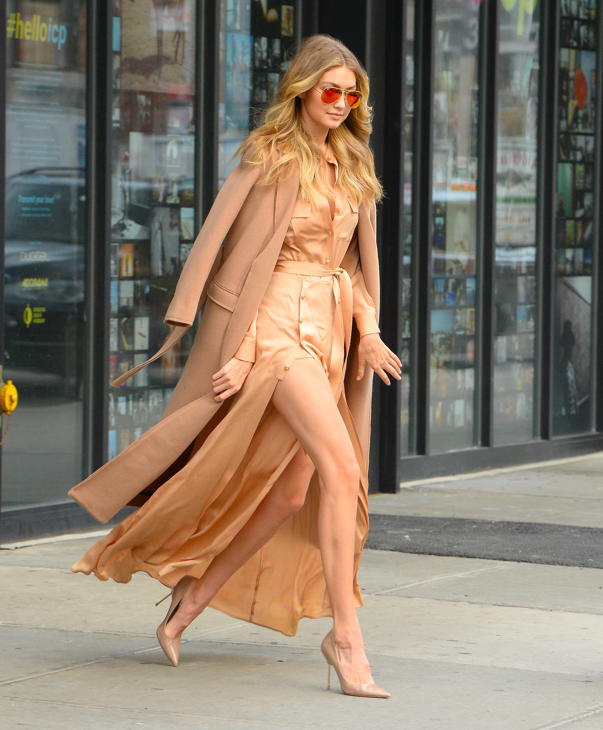 NEW YORK, NY - DECEMBER 08:  Model Gigi Hadid is seen walking in Soho on December 8, 2015 in New York City.  (Photo by Raymond Hall/GC Images) (Foto: GC Images)