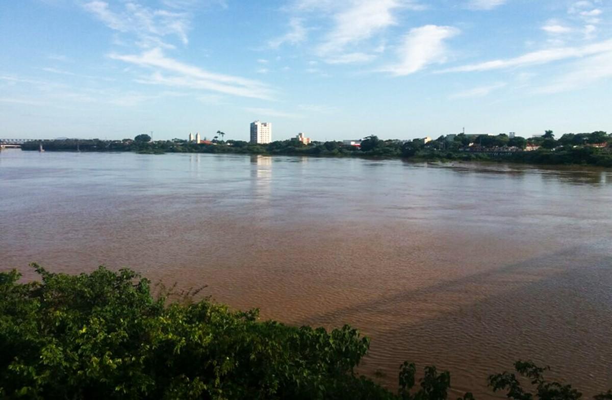 Nível do Rio Paraíba do Sul, em Campos, RJ, aumenta 1,5m em três dias