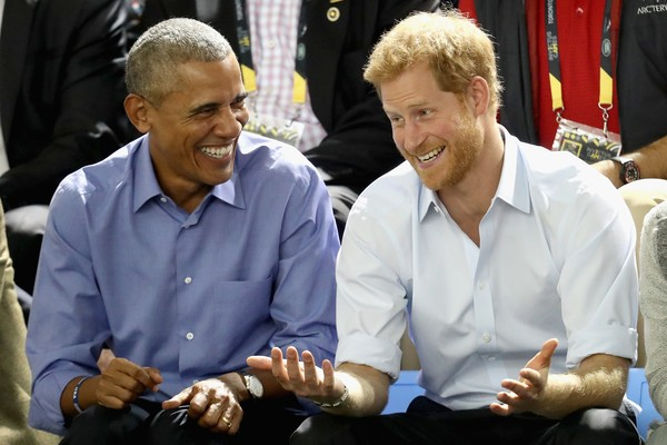 O ex-presidente dos EUA, Barack Obama, com o Príncipe Harry (Foto: Getty Images)