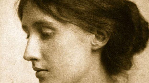 Para desenvolver ferramenta, equipe usou textos da escritora britânica Virginia Woolf (Foto: George C Beresford/Getty Images via BBC News Brasil)
