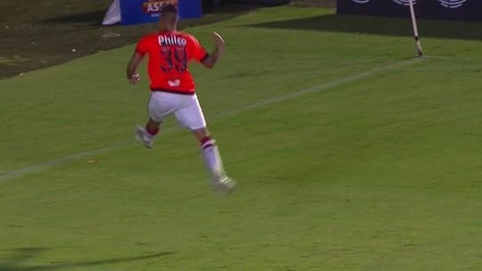 Aniversariante, Bruno Guimarães comemora gol no Atlético-PR e sonha com a Europa