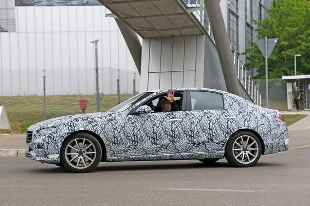 Mercedes-Benz Classe C (Foto:  Reprodução: Automedia/Carpix)