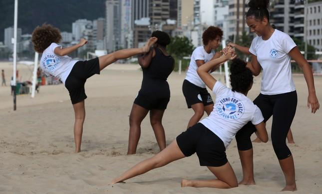 Projeto de corrida ajuda no condicionamento nas lutas praticadas na Maré