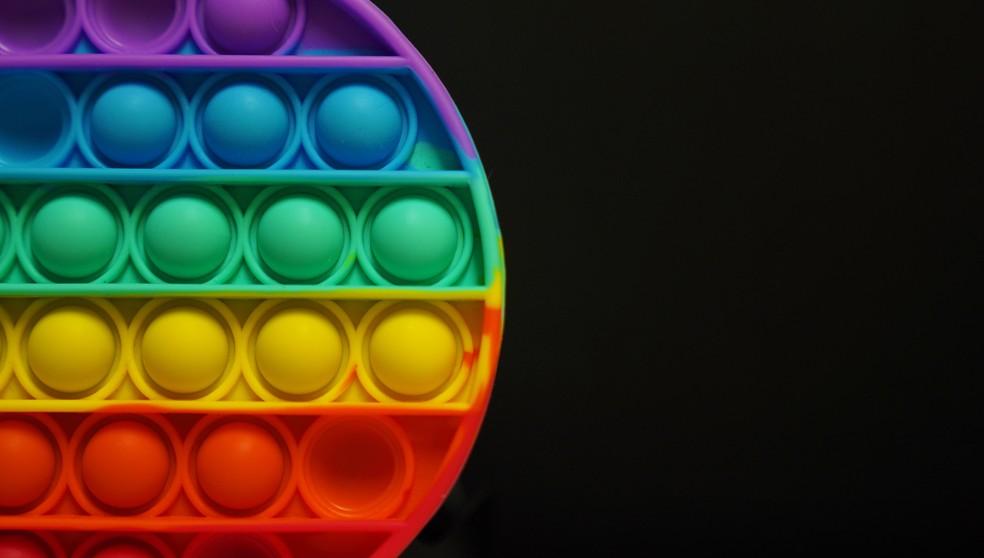Pop it: o brinquedo que virou febre das crianças — Foto: Marcos Serra Lima/G1