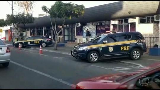 Prefeito de Caldas Novas, Evandro Magal é preso em operação contra fraudes e lavagem de dinheiro, diz MP-GO