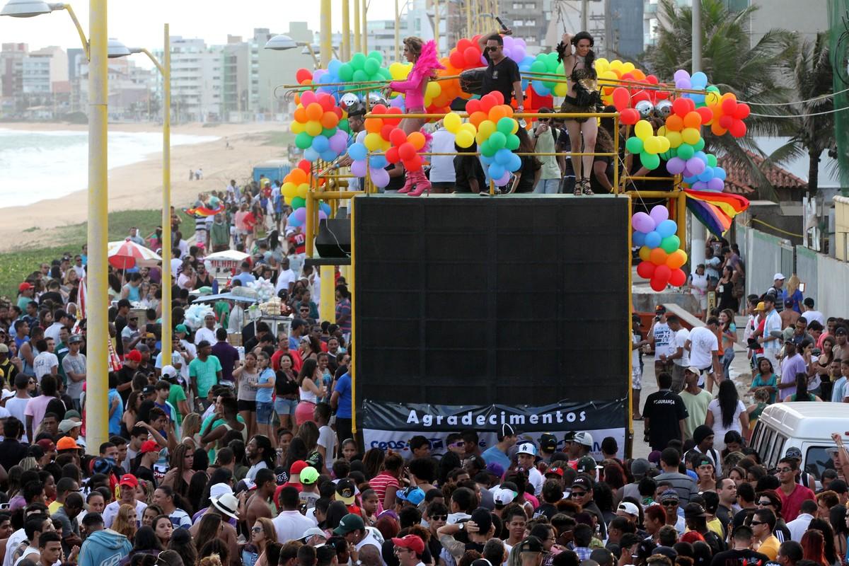 Parada do Orgulho LGBT será realizada neste domingo em Macaé, no RJ