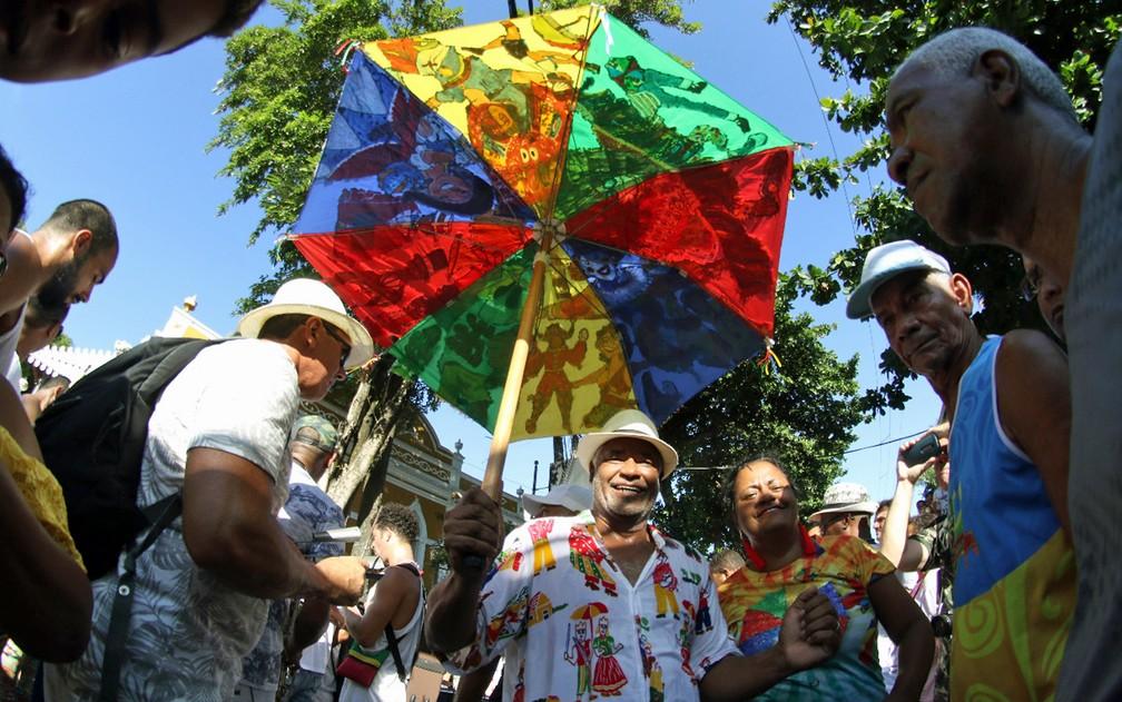 Sombrinhas de frevo são símbolo do carnaval de Pernambuco — Foto: Marlon Costa/Pernambuco Press