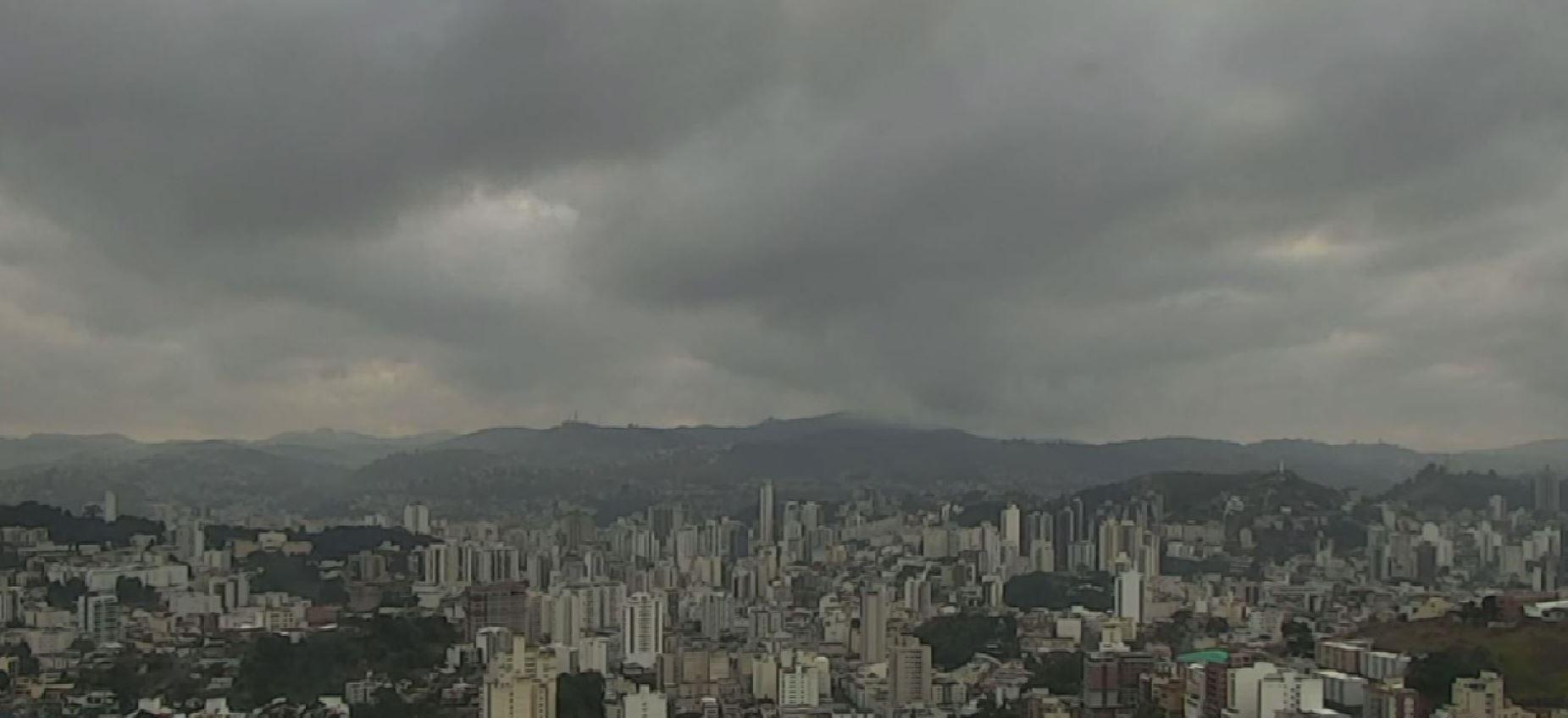 Céu nublado marca início da semana em cidades da Zona da Mata e Campo das Vertentes