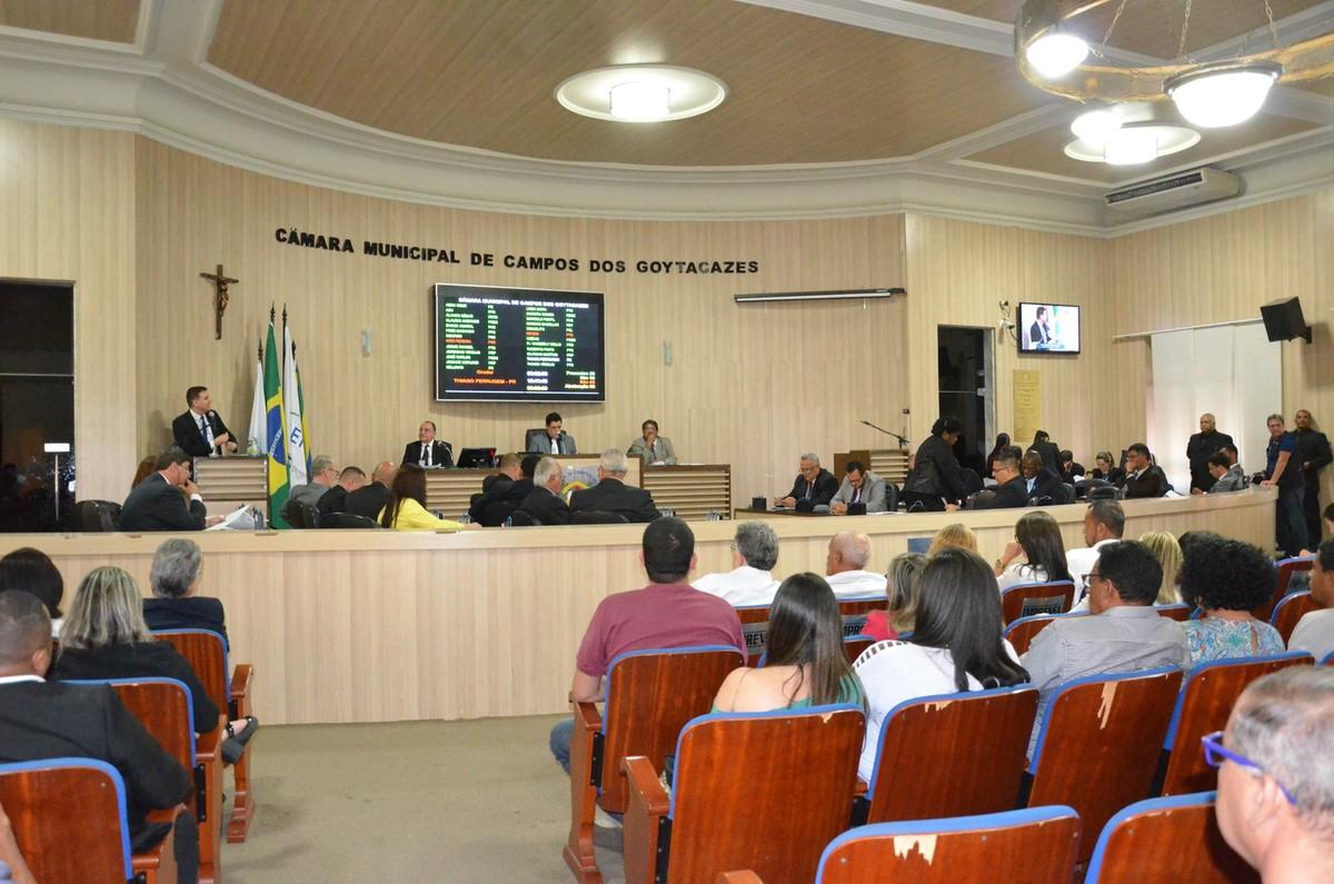 Câmara de Vereadores aprova estacionamento rotativo pago nas ruas de Campos, no RJ