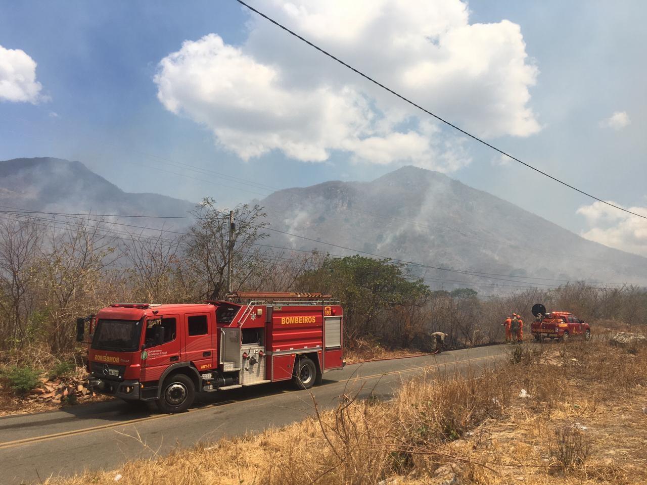 Novos focos de incêndio surgem após Corpo de Bombeiros controlar fogo em Itapipoca, no Ceará