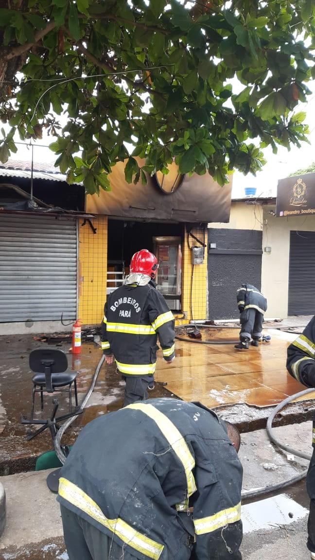 Residência que funcionava como comércio de bolos pega fogo no Guamá - Notícias - Plantão Diário