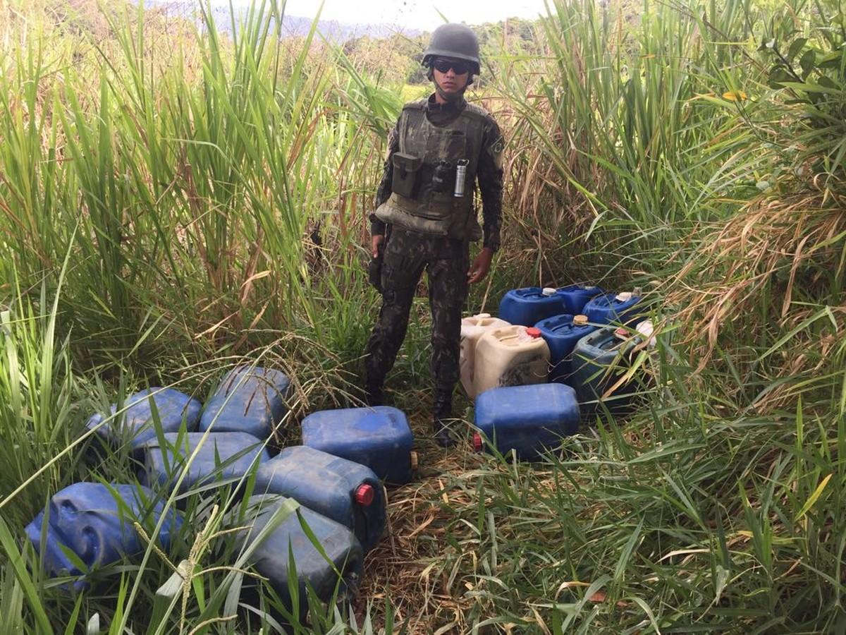 Exército em RR apreende 575 litros de gasolina contrabandeada da Venezuela