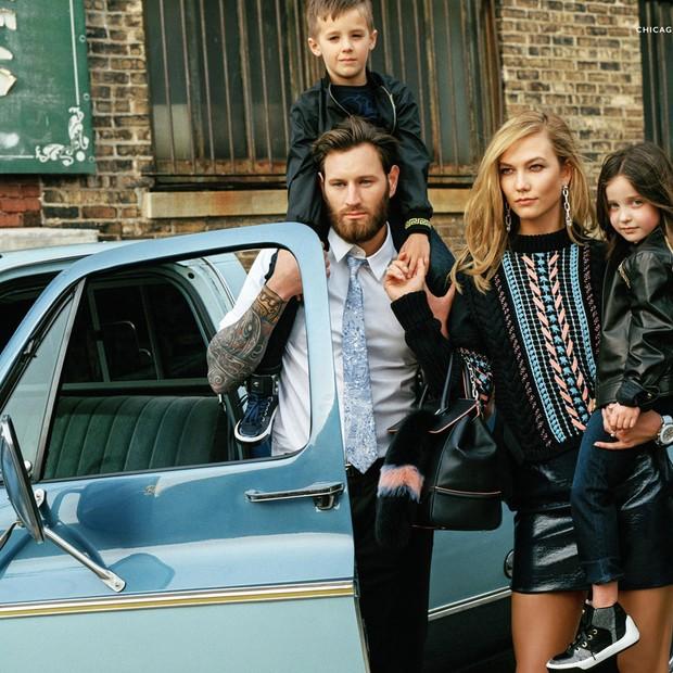 Campanha da Versace aborda família multirracial (Foto: Reprodução/Facebook)