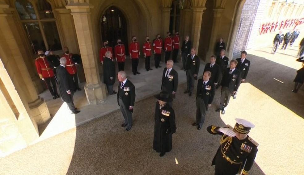 Família real acompanha funeral do Príncipe Philip — Foto: Reprodução