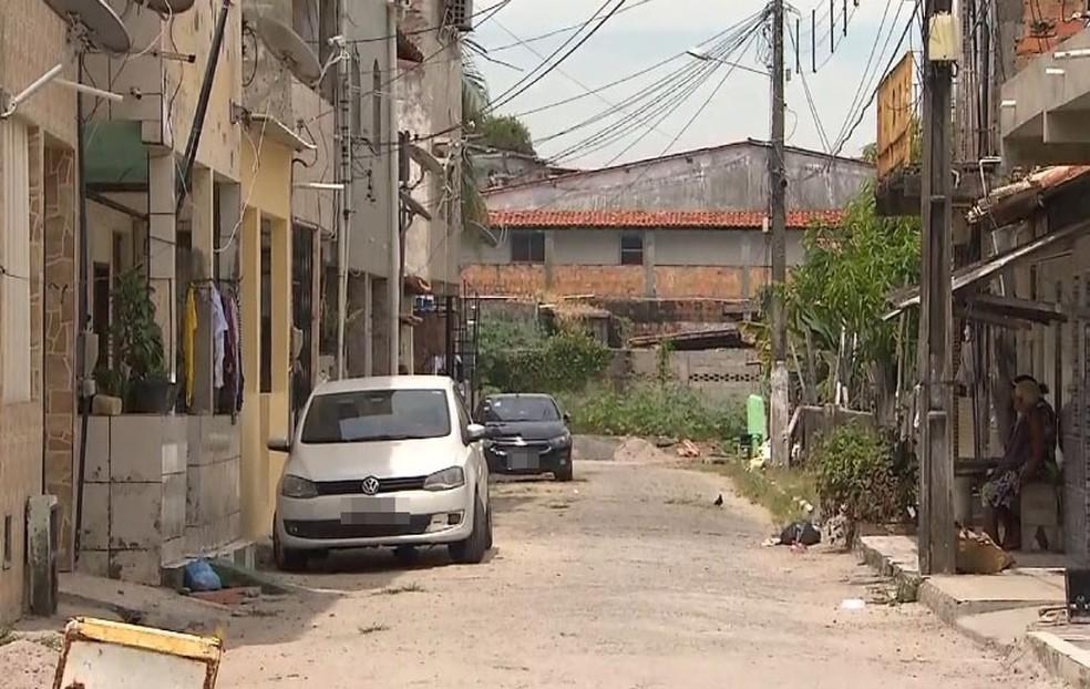 Caso ocorreu na Rua Direta da Gameleira, no Parque das Mangueiras.  — Foto: Reprodução / TV Bahia
