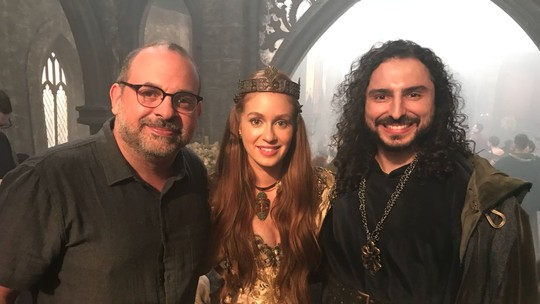 Marina Ruy Barbosa vai às lágrimas com elogio de diretor de 'Deus Salve o Rei'