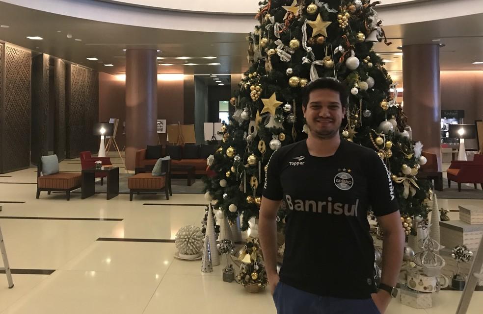 Alexandre Gamba no hotel do Grêmio (Foto: Eduardo Moura)
