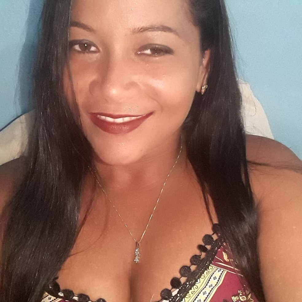 Celina Deusa do Nascimento, de 33 anos, foi morta no meio da rua em Alta Floresta — Foto: Facebook/Reprodução
