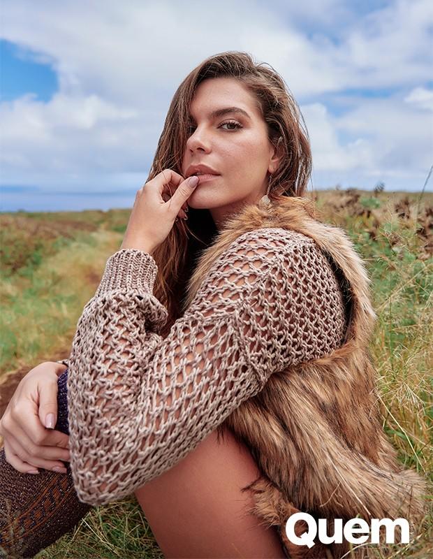 Mariana Goldfarb é fotografada por Tavinho Costa na Ilha de Páscoa (Foto: Tavinho Costa)