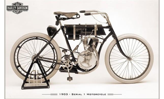 Motocicleta Harley-Davidson Serial 1
