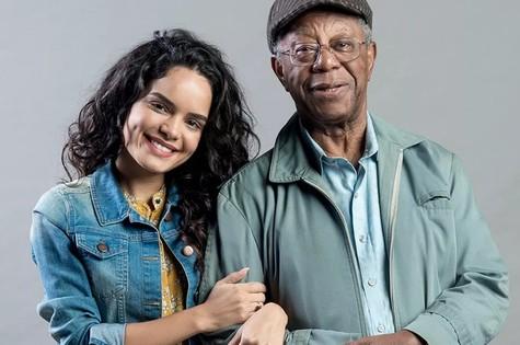 'O tempo não para': Carol Macedo e Milton Gonçalves são Eliseu e Paulina (Foto: Raquel Cunha/Globo)