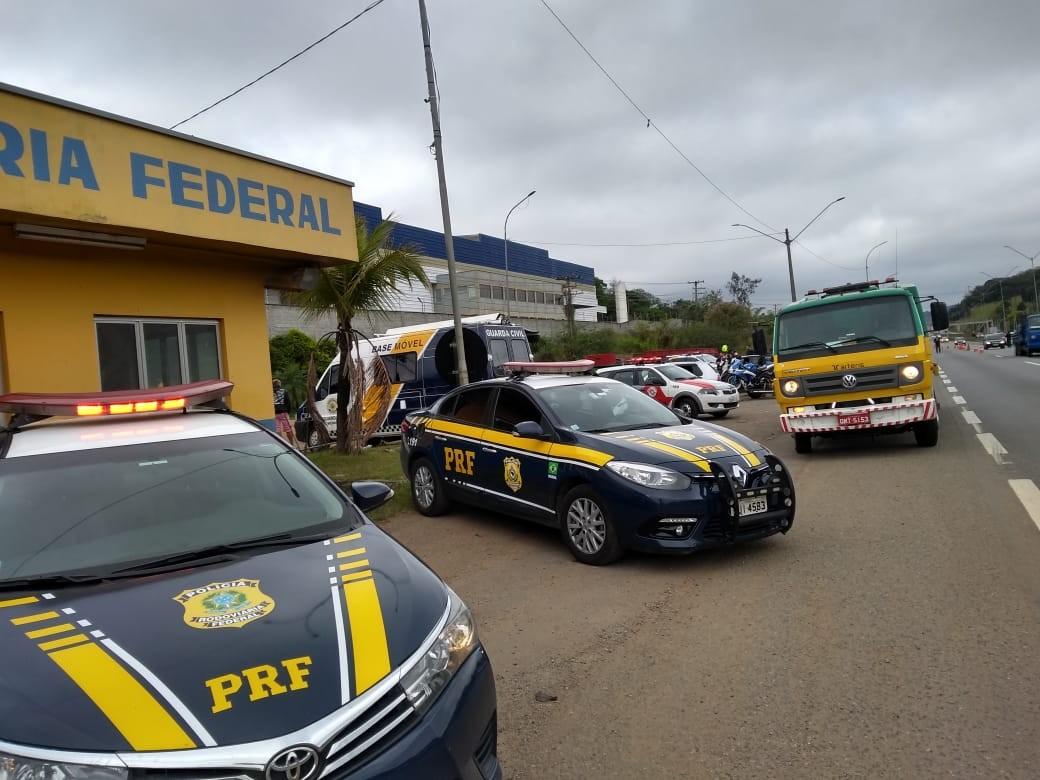 Operação da Polícia Rodoviária Federal autua 137 motociclistas na Fernão Dias em Atibaia, SP  - Notícias - Plantão Diário