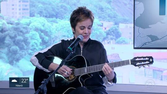 Leila Pinheiro se apresenta hoje no Teatro Rival, na Cinelândia