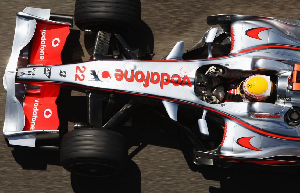 Último título da McLaren foi conquistado em 2008, com Lewis Hamilton e motores Mercedes — Foto: Getty Images