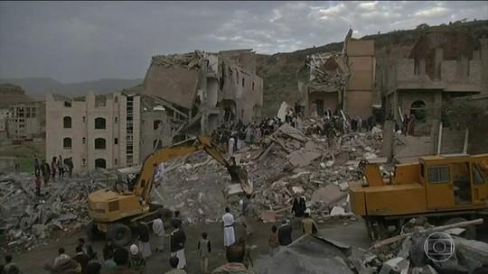 Bombardeio aéreo no Iêmen deixa mortos