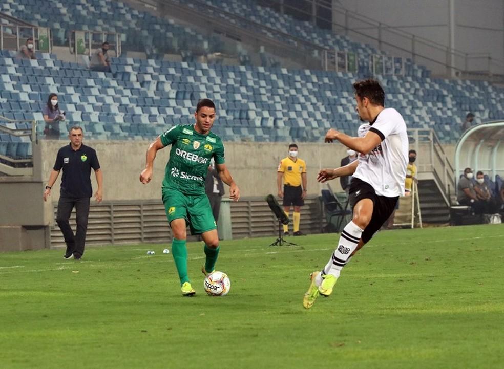 Meia fez 26 jogos na última Série B — Foto: Thiago Carvalho, AssCom Dourado