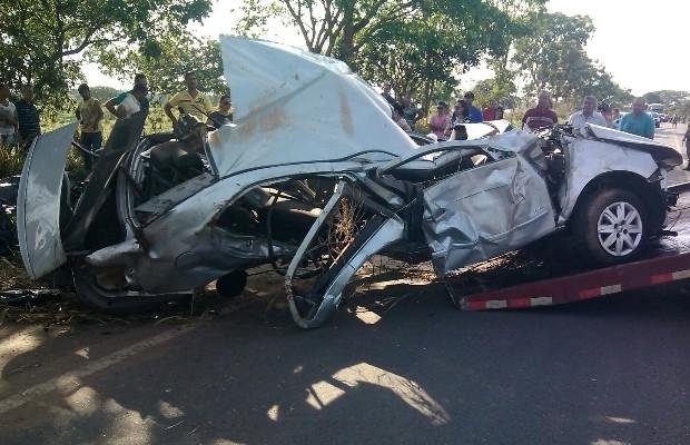 Cinco jovens morreram em um acidente na GO-330 em Pires do Rio, Goiás (Foto: Reprodução/TV Anhanguera)