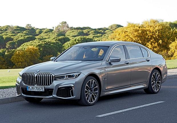 O BMW 745Le é a nova versão híbrida plug-in do sedã de alto luxo (Foto: Divulgação)