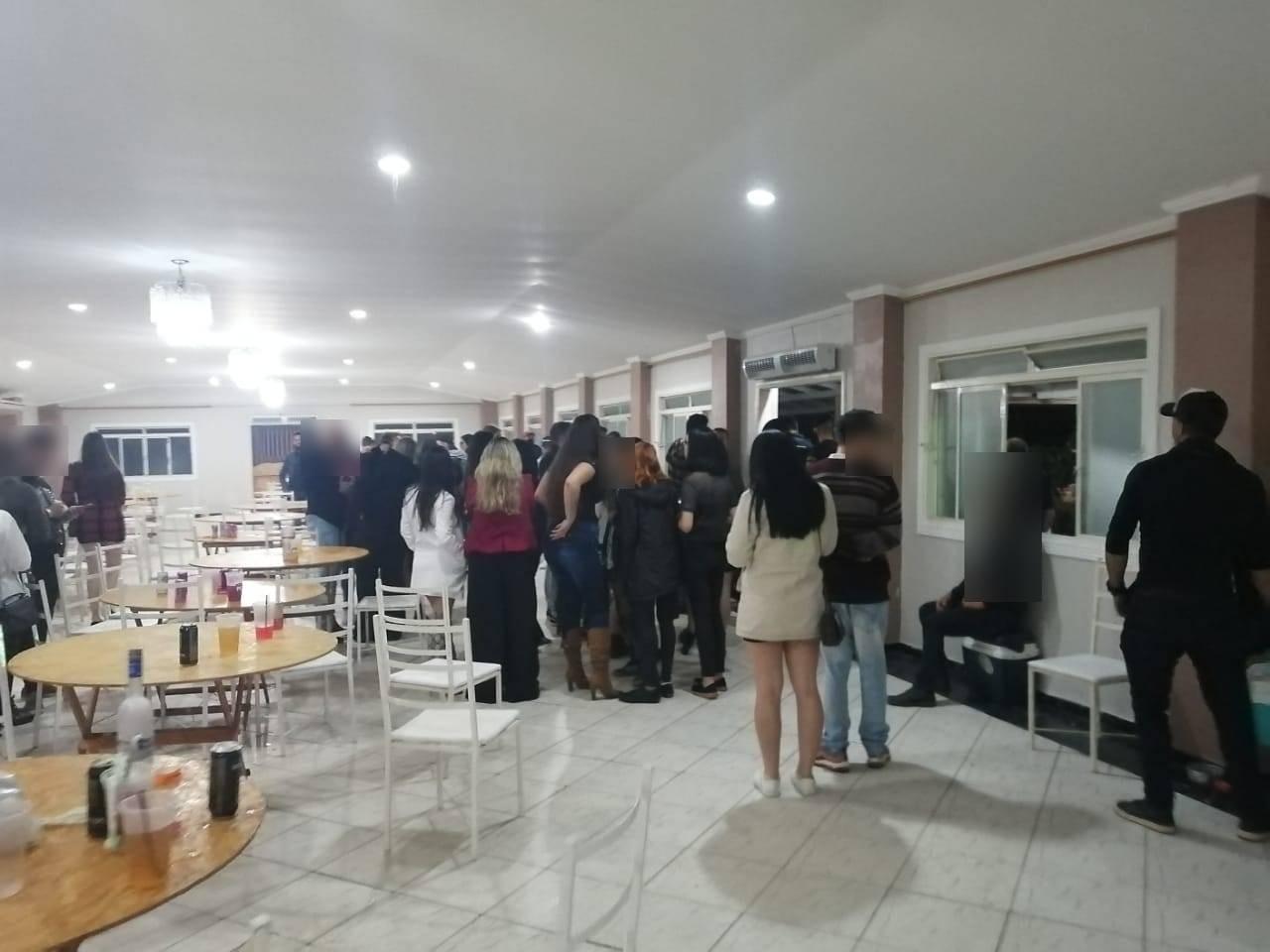 Guarda Civil encerra festa clandestina com 150 pessoas em São José dos Campos