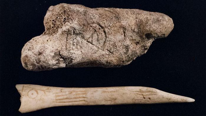 Os registros de símbolos pictos foram encontrados em um sítio arqueológico de Dunnicaer (Foto: Reprodução GORDON NOBLE ET AL., ANTIQUITY 10.15184 (2018) / Roderick Richmond for Orkney, Arts, Museums & Heritage)