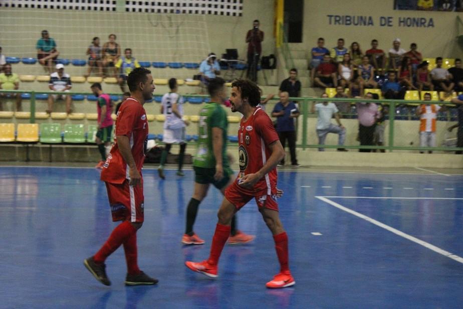 Em jogo de 2 viradas, JES marca a 1 minuto do fim e vence na Liga Nordeste de futsal