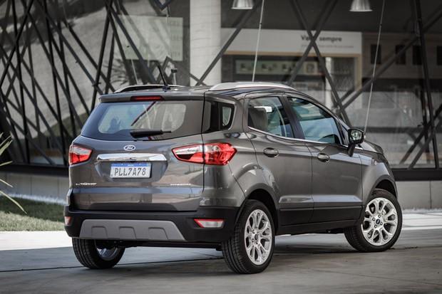 Ford EcoSport Titanium 2020 sem estepe na tampa do porta-malas (Foto: Divulgação)