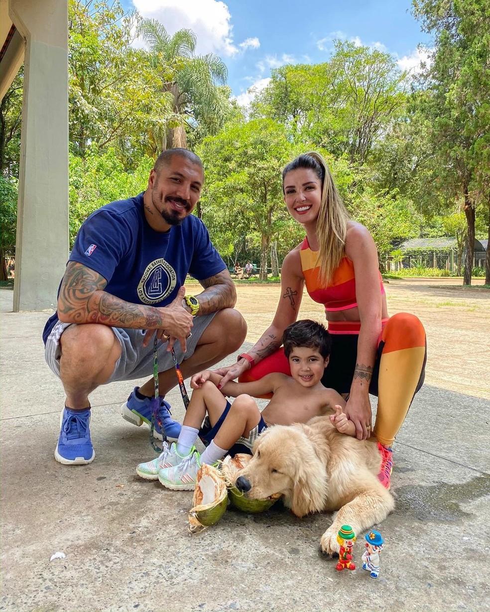 Aline Gotschalg e Fernando Medeiros são pais de Lucca, de 5 anos — Foto: Reprodução/Instagram