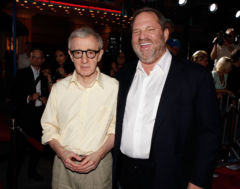 O cineasta Woody Allen com o produtor Harvey Weinstein (Foto: Getty Images)
