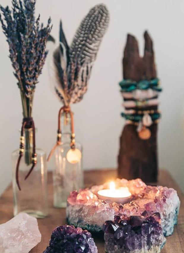 Os cristais podem se tornar um porta-velas  (Foto: Reprodução Homedit )