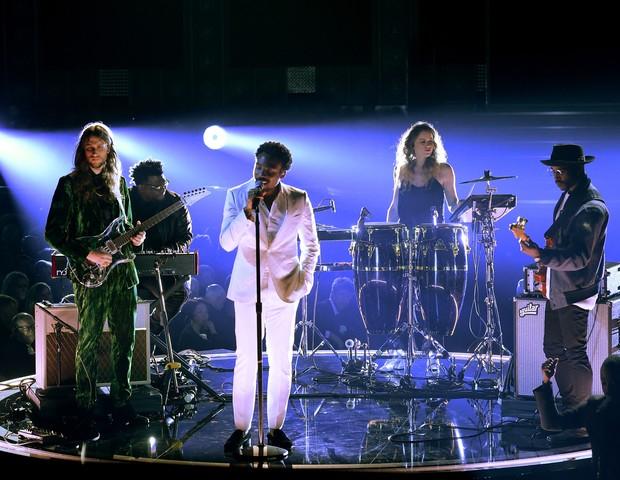Donald Glover durante a apresentação na cerimônia do Grammy 2018 (Foto: Kevin Winter/Getty Images)