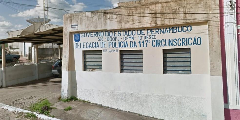 Delegacia fica no Centro de Bom Jardim, no Agreste de Pernambuco — Foto: Reprodução/Google Street View