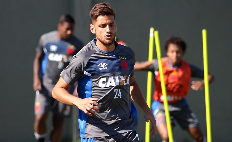 ... Guilherme Costa durante treino no Vasco — Foto  Carlos Gregório Jr Vasco bf6186104273a