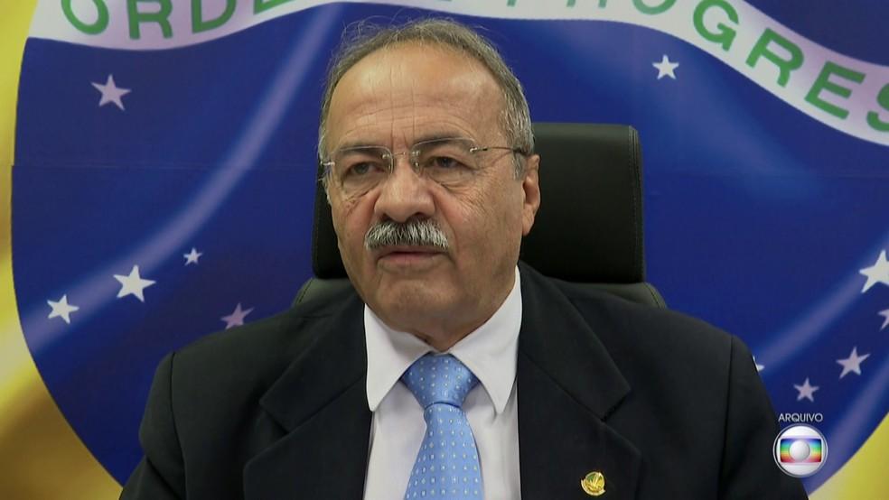 O senador Chico Rodrigues (DEM-RR), flagrado com R$ 33 mil na cueca — Foto: Reprodução/TV Globo