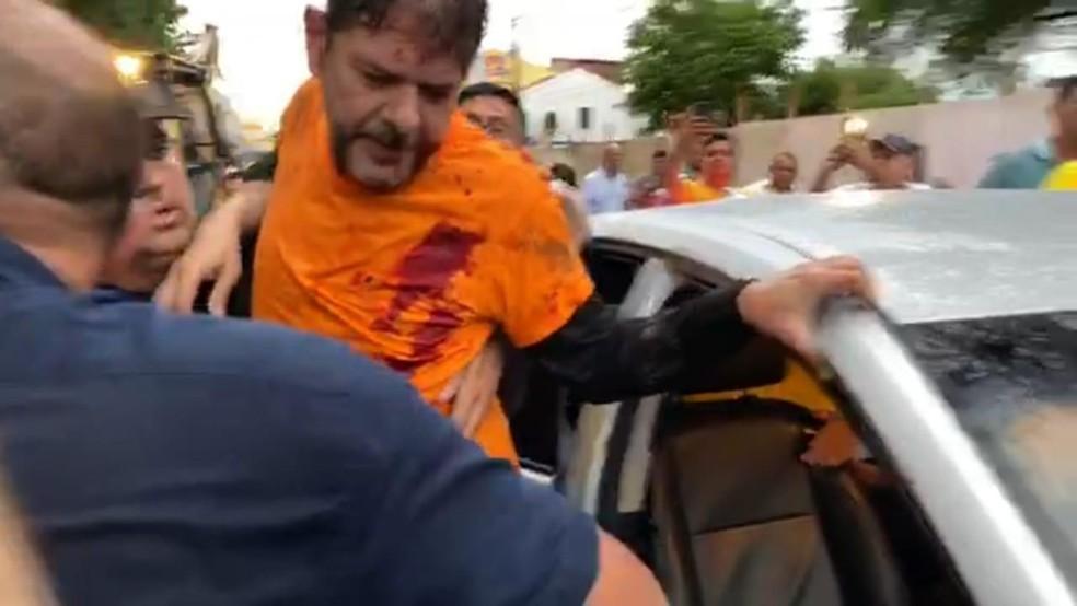 """Cid Gomes é baleado em """"motim"""" de policiais em Sobral (CE) — Foto: Reprodução"""