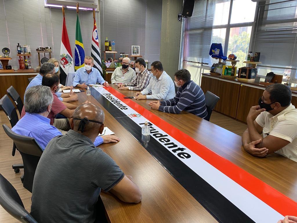 Prefeitura de Presidente Prudente promete pagar mais de R$ 400 mil em salários atrasados de funcionários do transporte coletivo