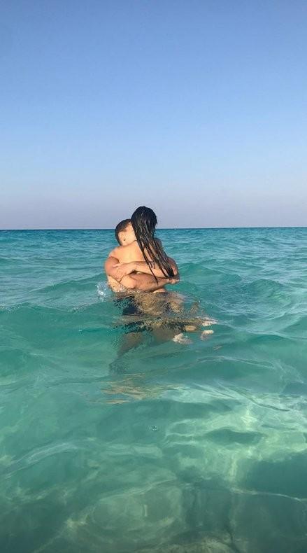 Kourtney Kardashian em viagem romântica com o namorado (Foto: Reprodução/Instagram)