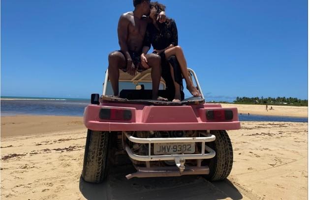 David Junior e Yasmin Garcez ficarão até 9 de fevereiro na Bahia (Foto: Arquivo pessoal)